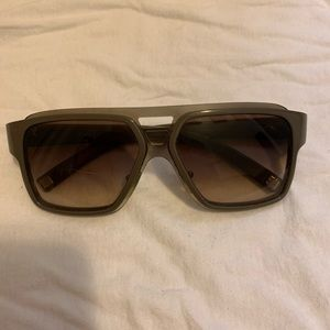 Louis Vuitton engine gm sunglasses